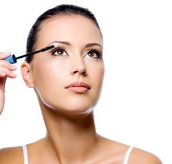 Wimperntusche zur optischen Wimpernberlängerung